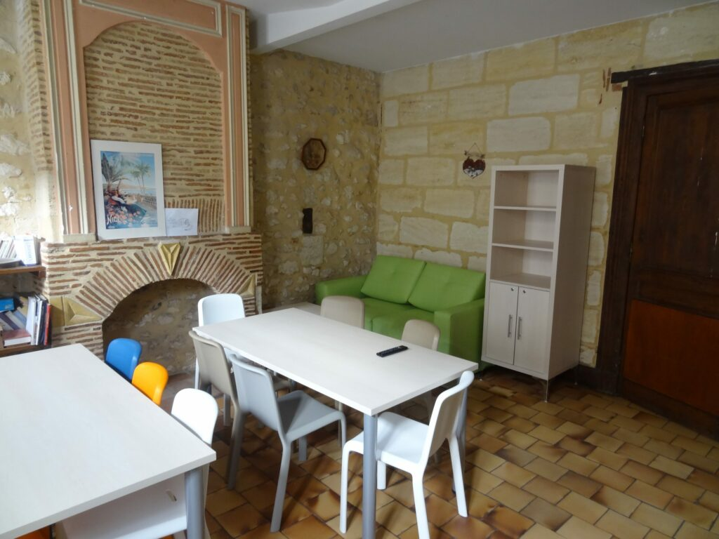 Maison d'enfants à caractère social en Gironde